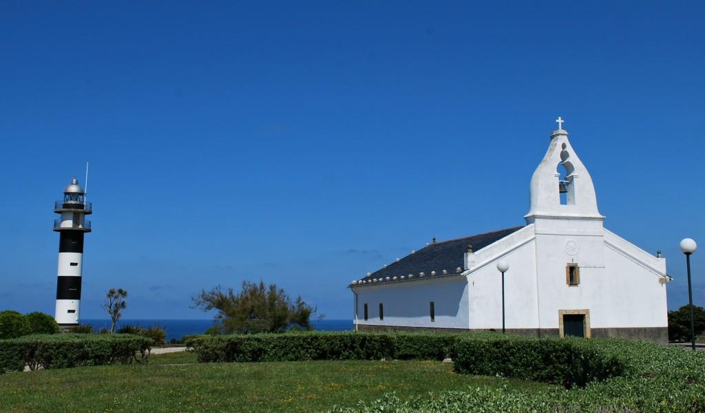 Faro de Ortiguera y ermita de San Agustín