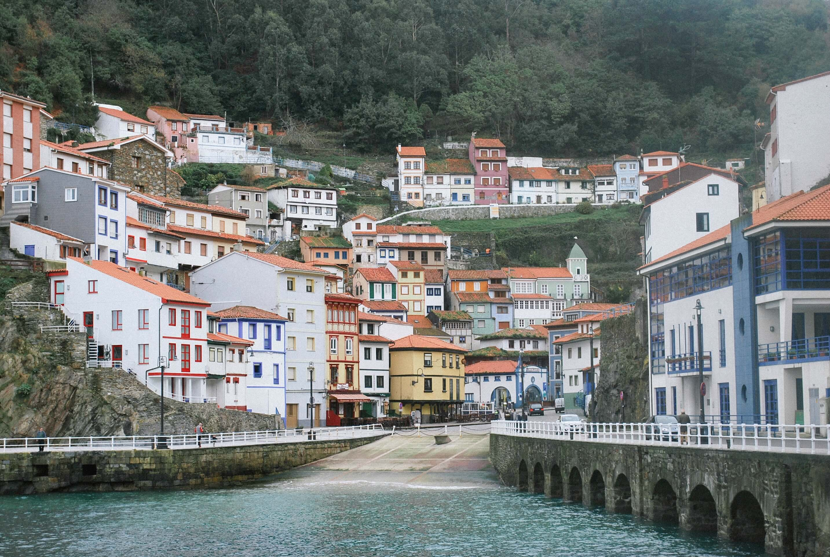 puertos marineros del occidente de asturias